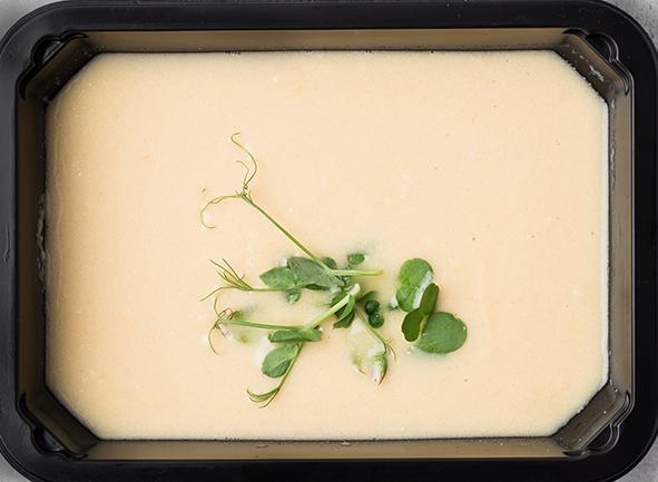 Суп-пюре из белой спаржи с мускатным орехом