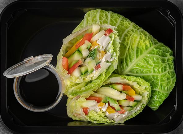 """Овощной ролл с сыром """"Тофу"""" в савойской капусте"""