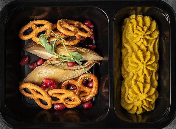 Домашний хумус с куркумой, тыквой, баклажанами и крекерами