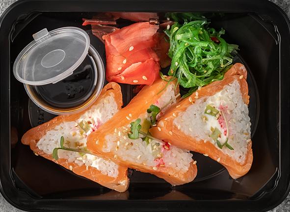 Ленивые суши с маринованной семгой